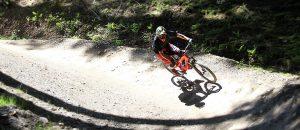 Lär dig hoppa med mountainbike